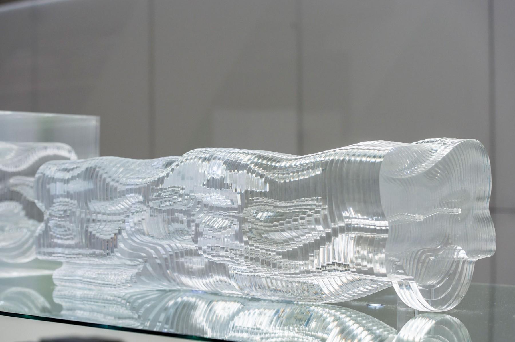 glass house paris moatti rivi re. Black Bedroom Furniture Sets. Home Design Ideas